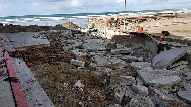 End of Avenida de la Playa in ruins.