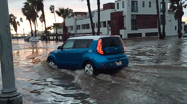 Flooding in Ocean Beach