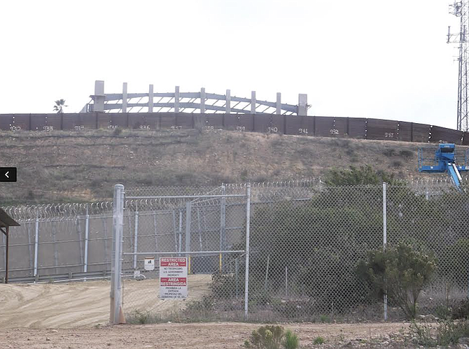 Razor wire stops lots of border-fence jumpers   San Diego Reader