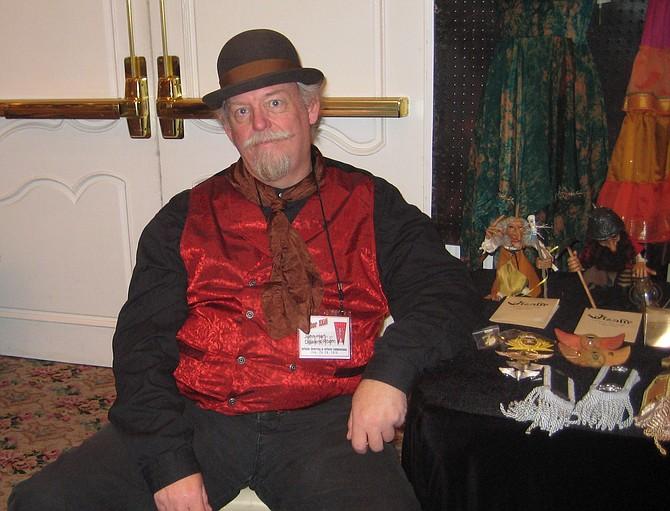 victorian cosplayer