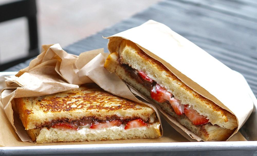 Dessert grilled sandwich of strawberries, Nutella and Mascarpone
