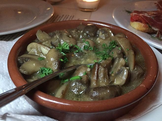 Mushrooms sautéed in a garlic Sherry sauce