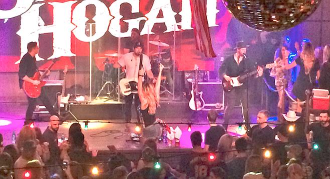 "Stephan Hogan debuted his new up-tempo, feel-good single ""Ballin' on a Budget."""