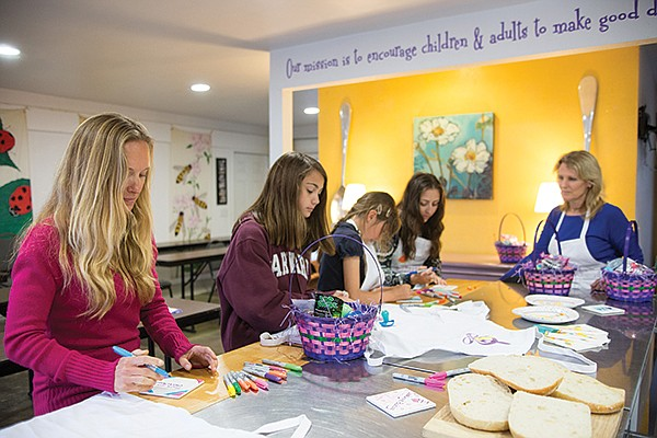 Crafts and cooking at Chula's Mission