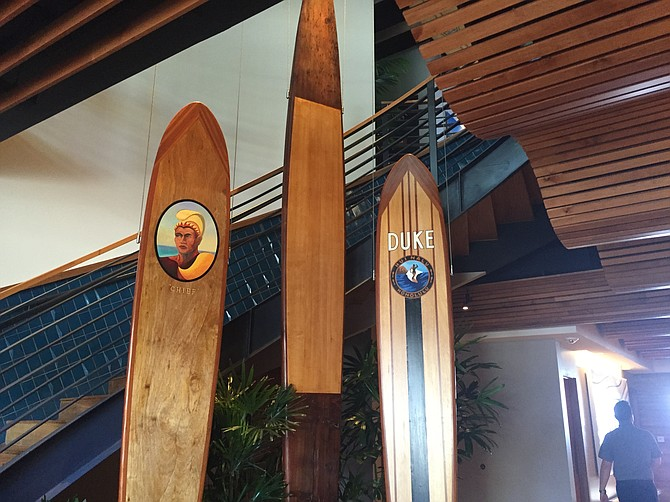 Duke's is named after famed Hawaiian surfer Duke Kahanamoku. Tributes to him appear all over the restaurant.