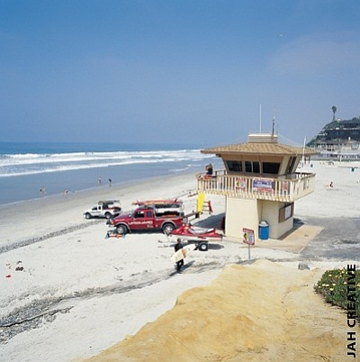 Current lifeguard station at Moonlight Beach