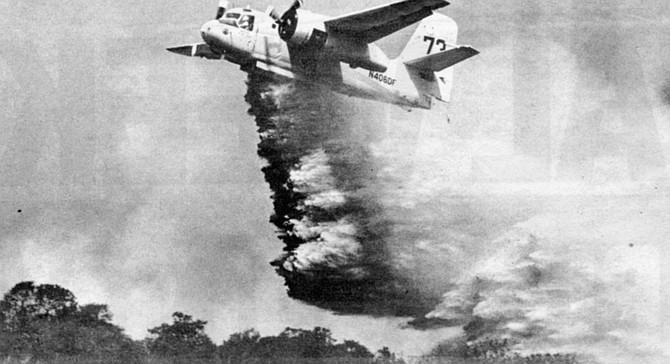 """When the air tankers arrived — two S-4s out of Ramona, and B-4s out of Hemet, in Riverside County — Crandall asked them if they could hit the head of the fire with Phos-check. """"No way. We can't even see the flames for all the smoke.""""  - Image by Steve Thornton"""