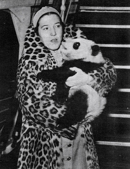 Ruth Harkness with Diana-Mei Mei