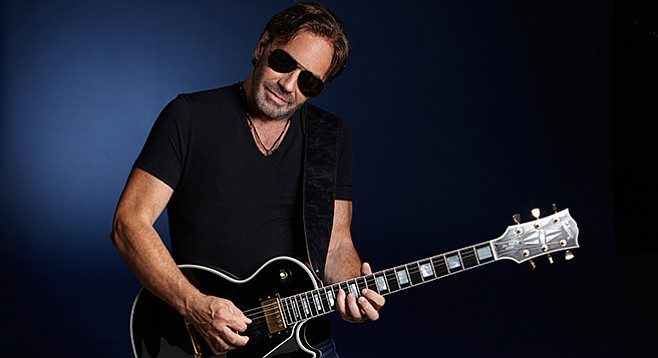 """Di Meola: """"I remember Billy Joel saying after our show that he feels like quitting. It was a lull for him after 'Piano man.'"""""""