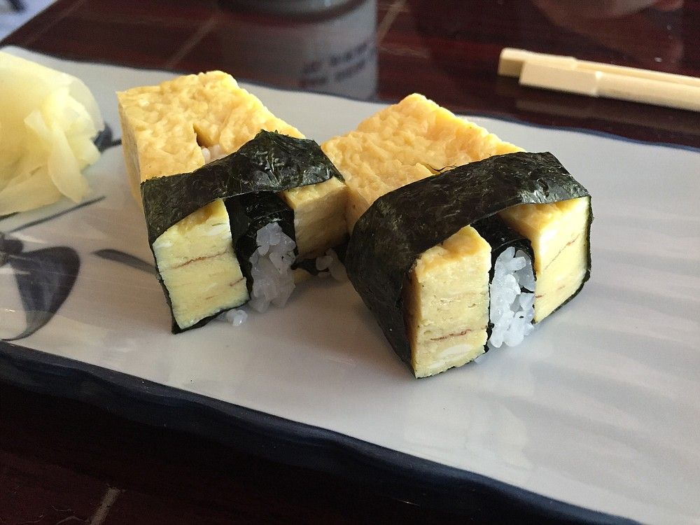 Tamago nigiri, a cute presentation