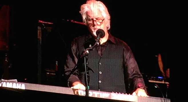 Sitting behind his center-stage keyboard, McDonald sounded like he did in 1976 when he joined the Doobies.