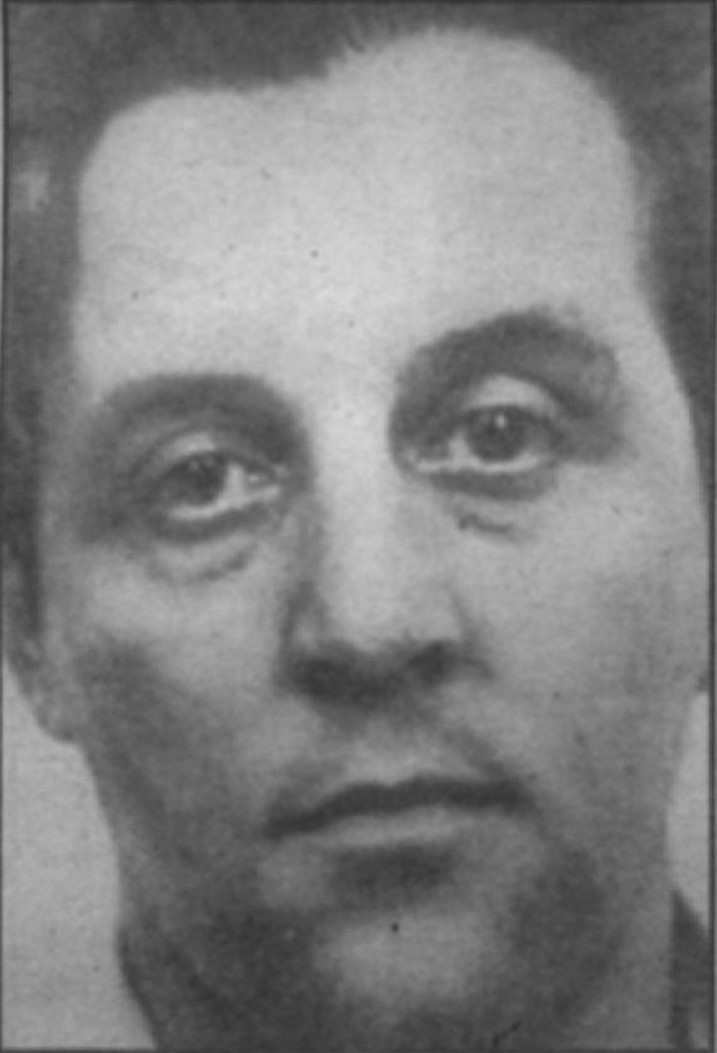 "Tony ""The Ant"" Spilotro, a hit man suspected of at least 25 killings, provided the muscle for the operation. Spilotro ended up two-timing with Rosenthal's wife Geri, an ex-call girl."