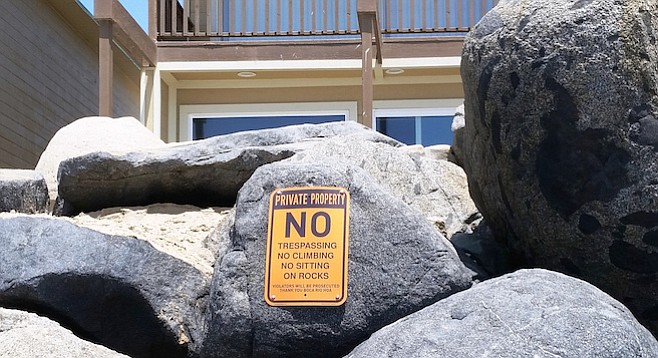 The homeowners' association planned to put up the signs since before March.