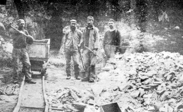 Pride of the West mine, Julian, 1900. The water that flowed across underground reservoirs of granite 100 million years ago contained the gold that prospectors found in the Laguna Mountains, leading to the founding of Julian.