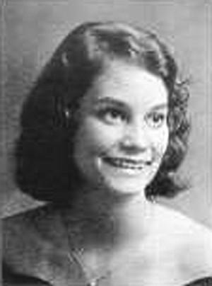Elizabeth Carson married Dan Siskowic.