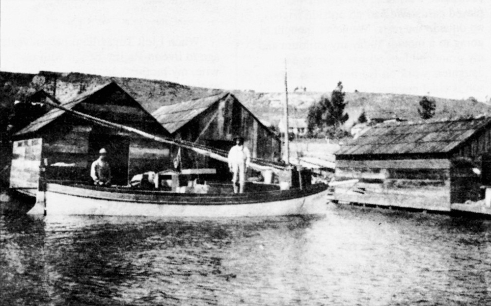 Portuguese fisherman at the foot of Kellogg Street in Point Loma; 1905. Ninety percent of the early immigrants were earning a living from the tuna industry.