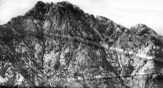 El Picacho del Diablo - Image by Robert Hartman