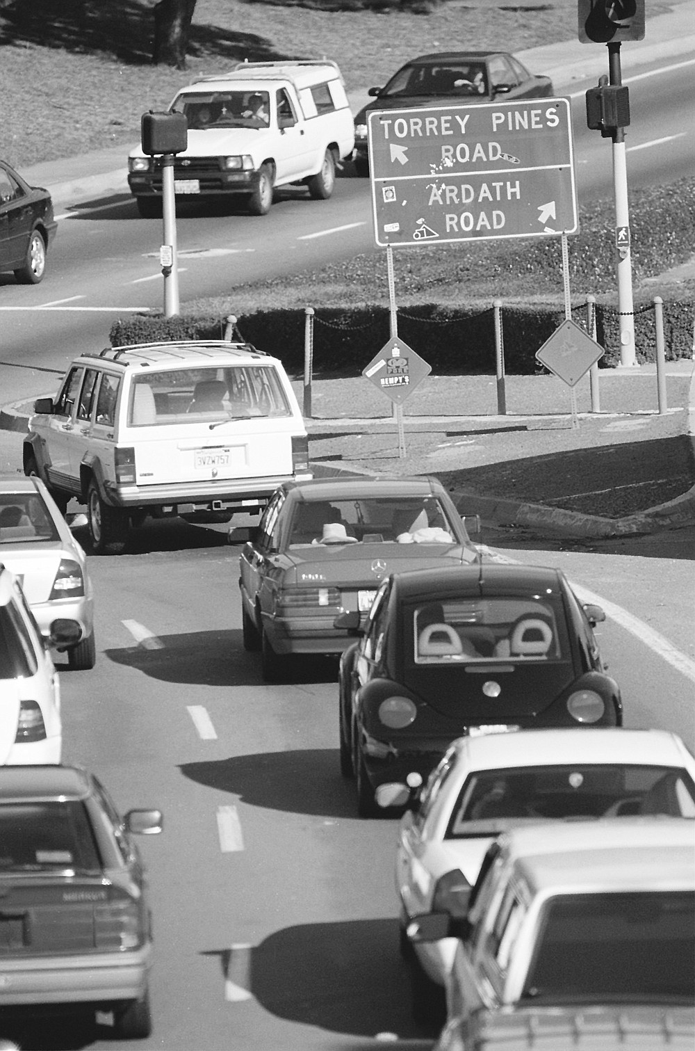 """A particularly troublesome spot is the so-called """"throat"""" — the infamous intersection of Ardath Road and Torrey Pines Road."""