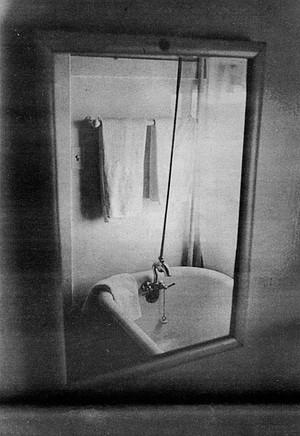 Hotel San Diego guest bathroom