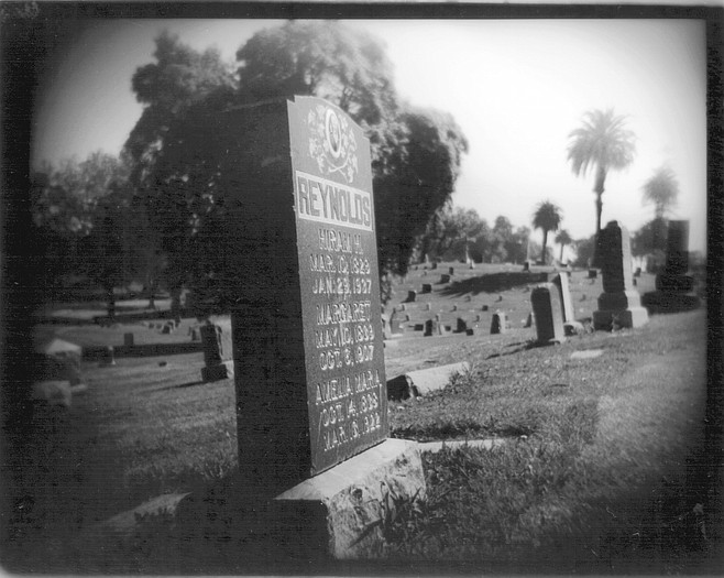 Reynolds grave site (not mentioned in article)
