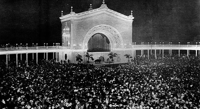 Schumann-Heink performing at Spreckles Organ Pavilion, 1915