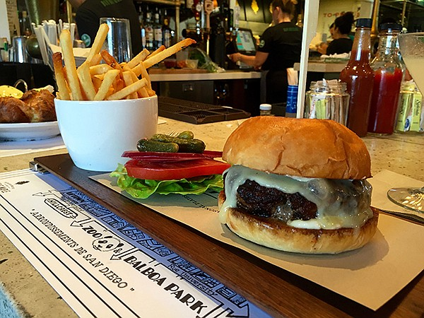 Grass-fed beef burger — Great Maple
