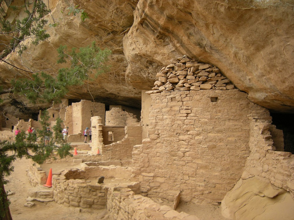 A cliff dwelling at ​Mesa Verde​ National Park