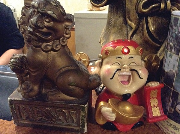 Lots of laughing New Year's Buddhas