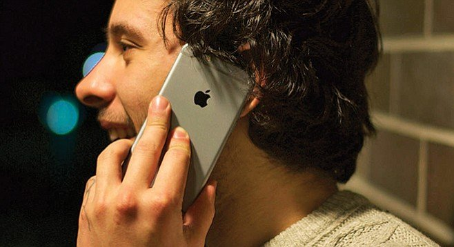 iPhone 6 with a Faraday Case