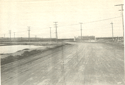 Barnett Avenue, 1918, a dusty, dry river bottom with little vegetation.