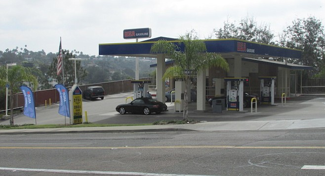 Arco Gas Stations >> Encinitas Gas Station Stories San Diego Reader