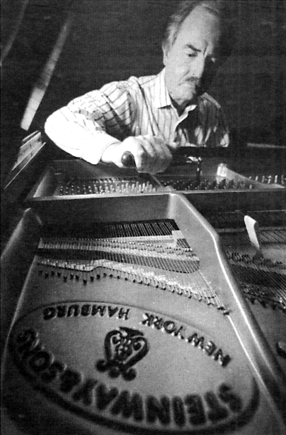 "Earl Kallberg: ""John Lill said he was particularly fond of our Steinway's enormous dynamic range, from very soft to very loud."""