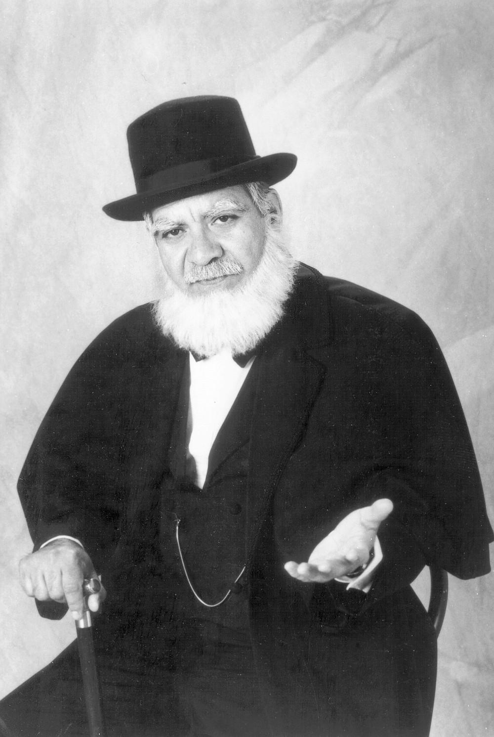 Roberto Garza as Pio Pico