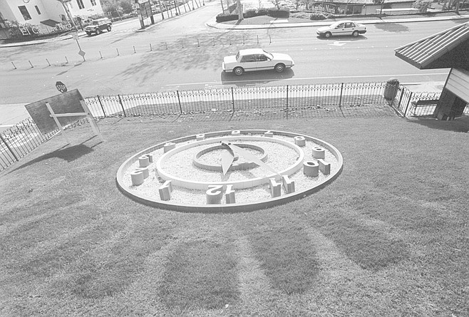 Floral clock, Oceanside