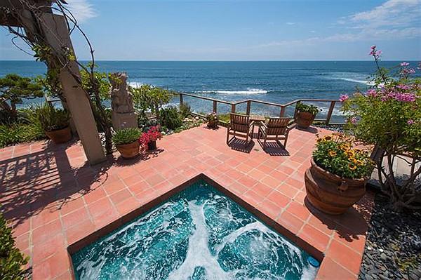 Ocean-view spa