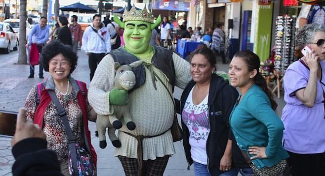 Shrek with fans on Avenida Revolución