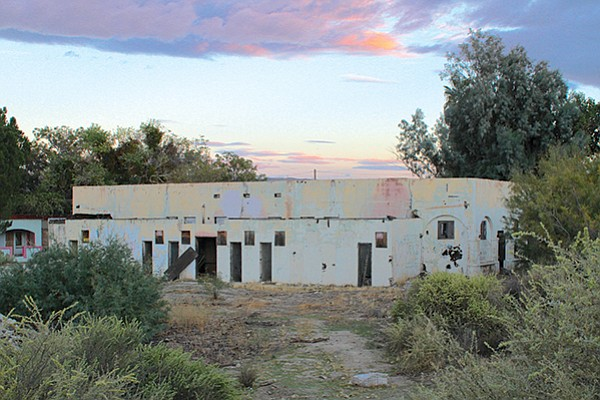 The now-abandoned bathhouse/health resort was developed by Bert Vaughn in the 1920s. It included a large hotel, apartments, pools, and a hydrotherapy clinic.