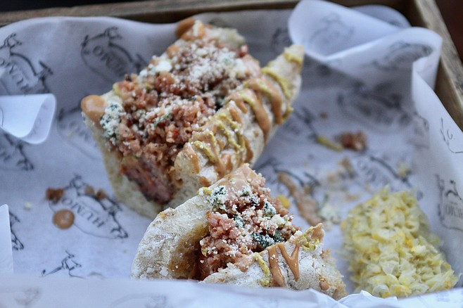 The bacon hot dog from Humo