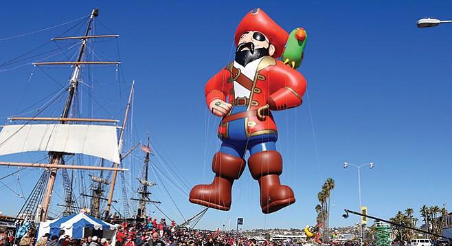 Tuesday, December 27: Holiday Bowl 5K at the Parade
