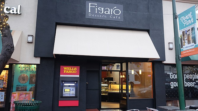 Figaro: Identical cupcakes, macarons, and other sweet pastries that inspired so many tough ordering decisions at Heaven Sent.