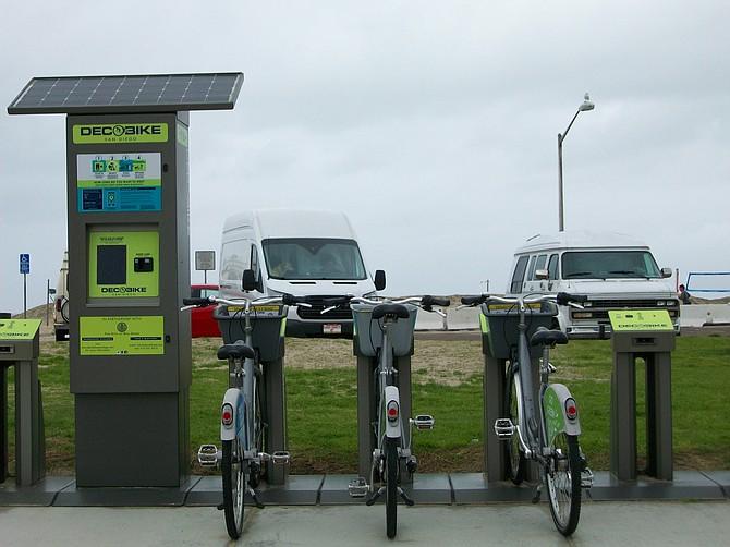 Deco Bikes for rent in Ocean Beach.