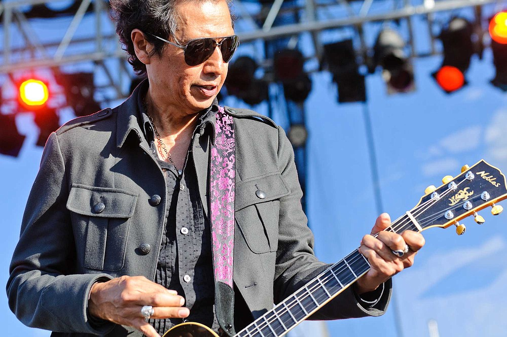 Roots-rocker Alejandro Escovedo will Burn Something Beautiful at Belly Up on Monday.