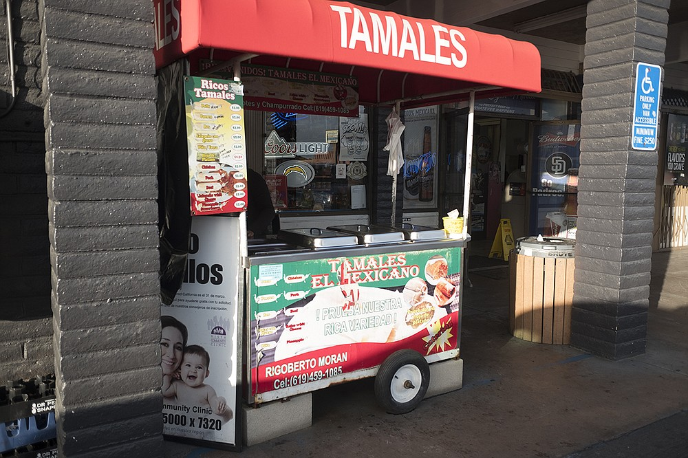 It's all para llevar from a tamale cart