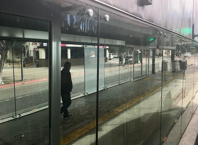 Tijuana's city government keeps replacing the broken glass