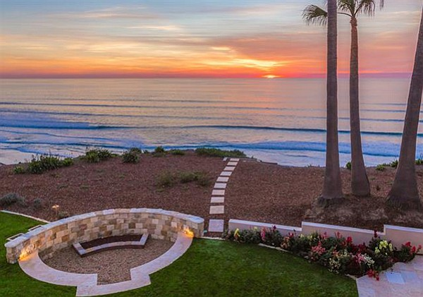 Unobstructed views to La Jolla