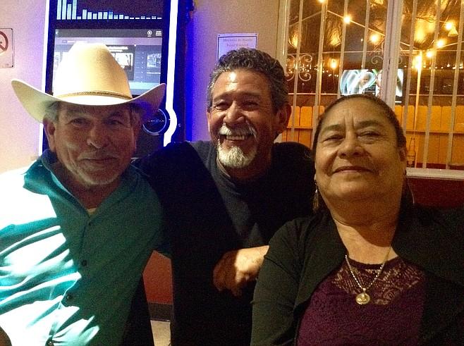 Manuel, George, María