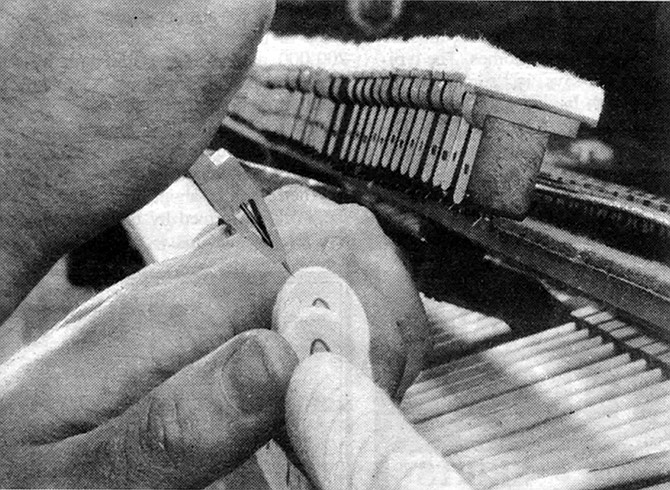 Many of the levers and flanges were worn so that the hammers didn't hit the strings squarely.