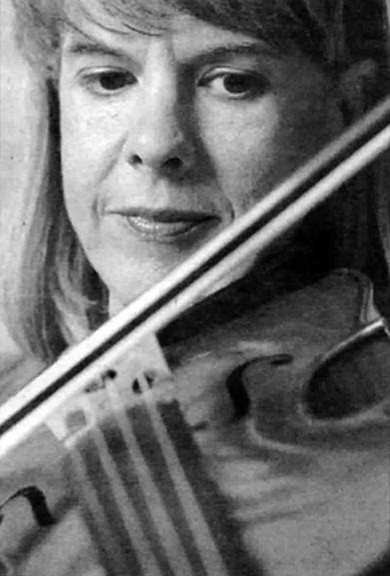 "Sarah Agler: ""I didn't tell anybody I was a violinist for eight years."""