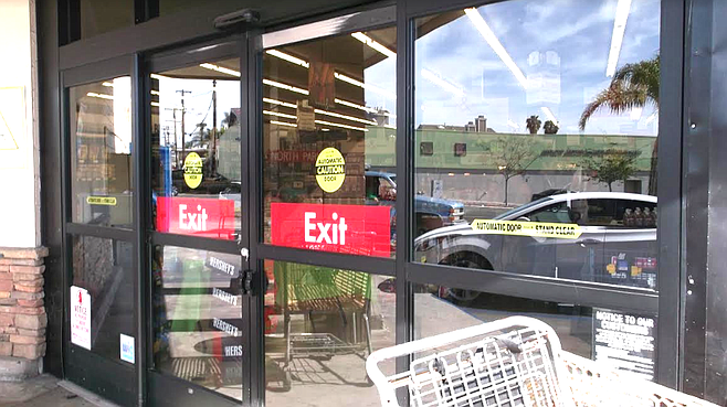 Smart & Final exit doors. One is closed but they are left unlocked. A checker told me that store personnel are not allowed to stop people from stealing.
