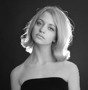 Goldie Hawn in 1965. Is this the face of a yiddishe maidel?